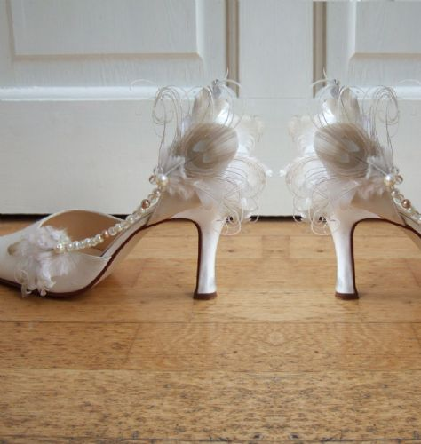 "Bridal Ivory Gold Nagoire and Peacock Feathers ""Larissa"" Beaded Shoe Clips SCB1304"